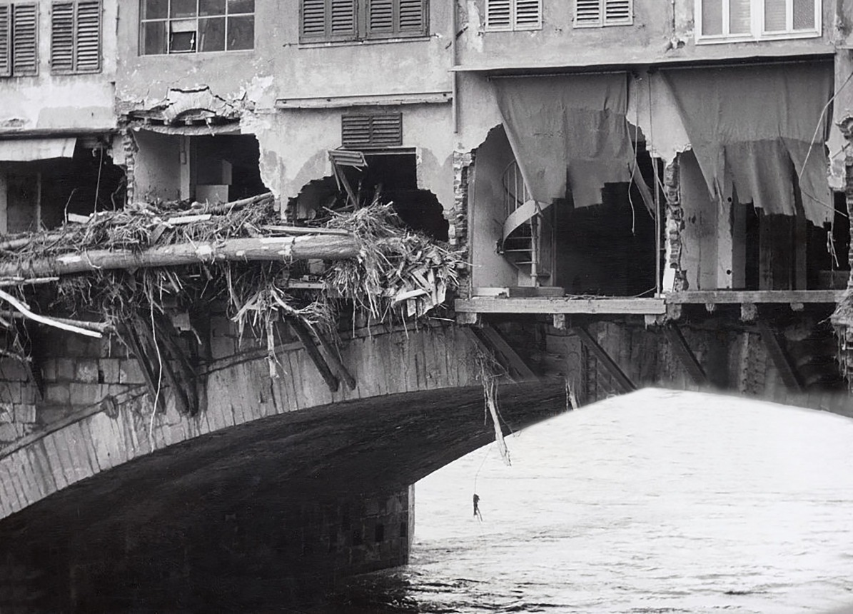 Wreckage of Ponte Vecchio and houses after a flood in Florence in 1966. (Photo by © Alinari Archives/CORBIS/Corbis via Getty Images)